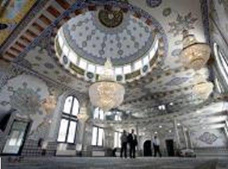 Sebuah Gereja di Belanda Berubah Menjadi Salah Satu Masjid Terbesar di Eropa