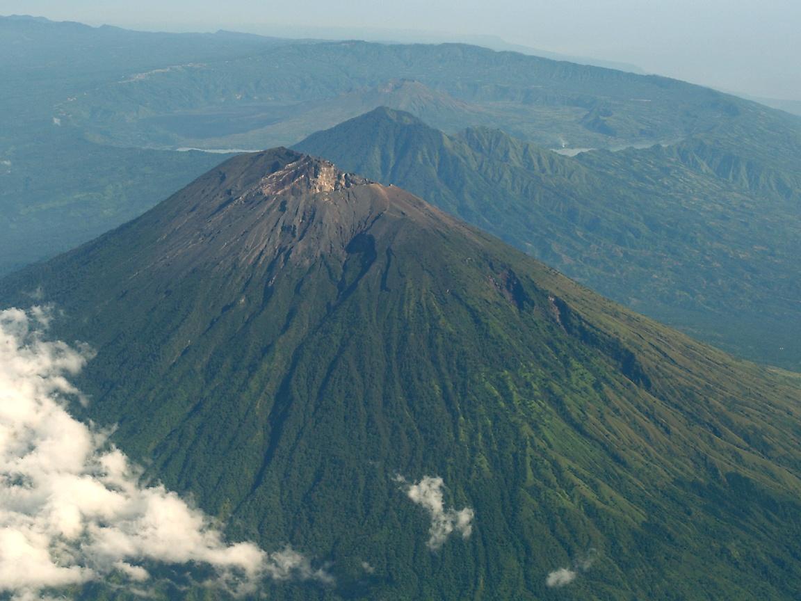 Delapan Gunung Berapi di Indonesia yang Menghebohkan Dunia \u2013 \u0026quot;Bisa Karena Terbiasa\u0026quot;