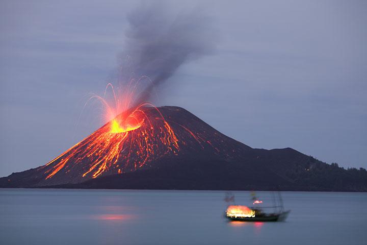 Delapan Gunung Berapi di Indonesia yang Menghebohkan Dunia  \u0026quot;Bisa Karena Terbiasa\u0026quot;