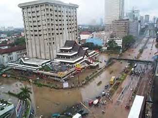 banjir jakarta merupakan adzab dan peringatan dari Allah