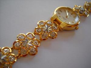 jam tangan emas haram bagi laki-laki