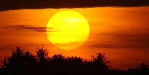 Matahari tertahan tenggelam