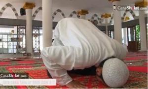 makmum-dan-imam-sholat-jamaah